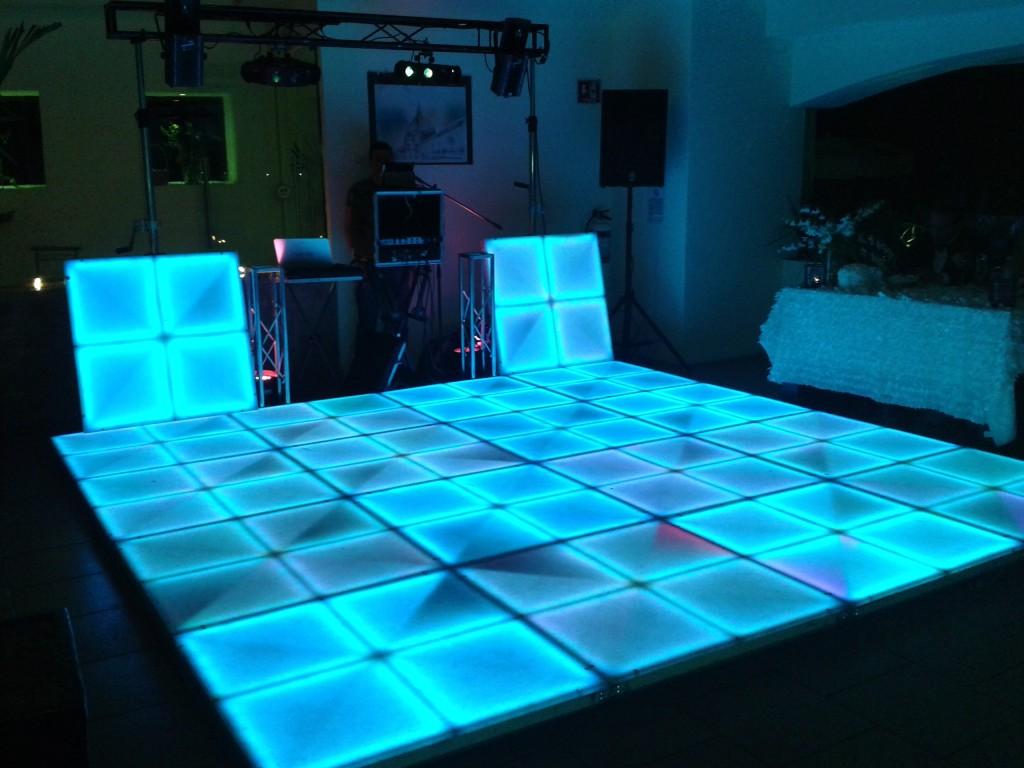 Pista de baile iluminada para tu fiesta sonidoboom.com